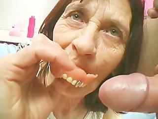 fake teeth for a more good suck - scene 4