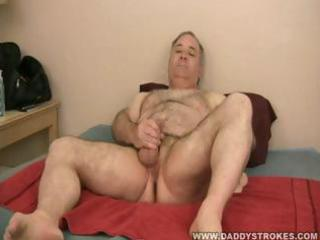 dad sammy jerking off his mature pounder