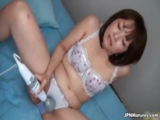 lascivious japanese mature housewife can part1