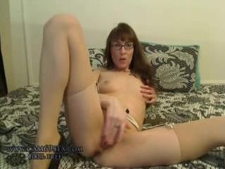 real non-professional milf wife masturbating in