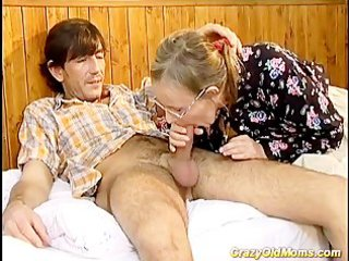 avid old mom gets it is deep sex and cumshot