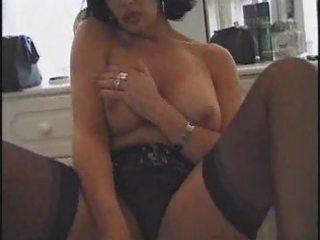 sara beattie british mature bitch solo