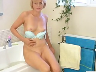at home cougar sex toy bath masturbation