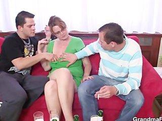 boyz enjoy fucking sexy mama