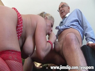 breasty d like to fuck getting her wazoo filled