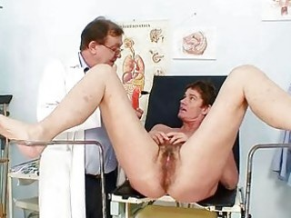 mother i curly cunt gyno scrutiny in hospital