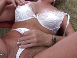 aged mother franscina rides vibrator hard and