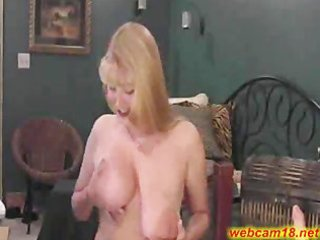 large pantoons mature whore squirts on cam