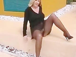 flashing hose housewife bitch exposing on side of