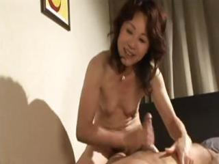 lascivious japanese d like to fuck gives him head