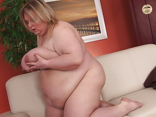golden-haired amateur-bbw-granny dildoing