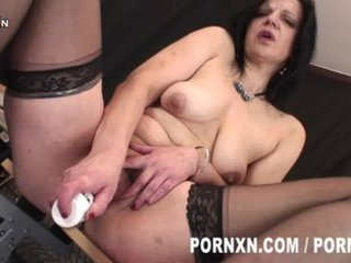 perverted aged lady wears nylons and can to