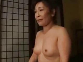 milf in kimono getting her love muffins rubbed
