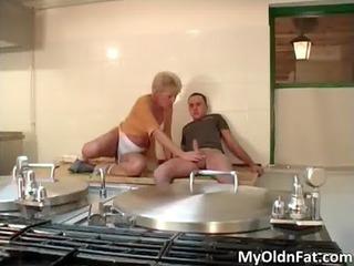 nasty bulky blonde d like to fuck blows ramrod