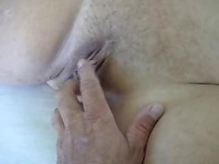 plump mature woman playing