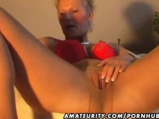 amateur d like to fuck masturbates, sucks and