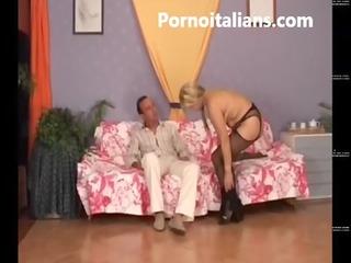 il pompino della signora matura italiana - the