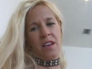 blond older floozy gets creampied