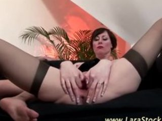 aged classy stocking brit fuck and oral