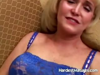 granny oral-job in hawt underware