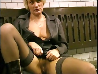 flashing and engulfing on the subway