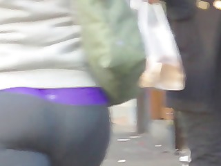 candid whooty arse in yoga pant of nyc