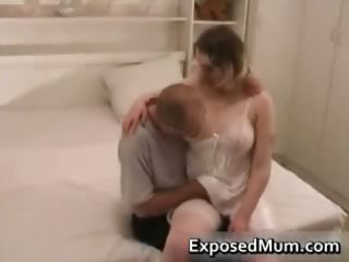 mother wearing pantyhose permeated