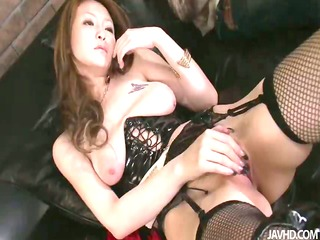 yuu grinds her snatch and then has her cum-hole
