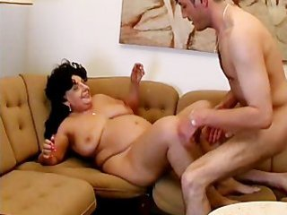 overweight older mamma receives her soaked pussy