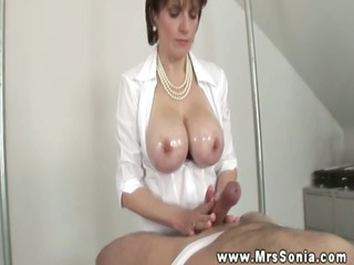 lady sonia gives a astounding titjob