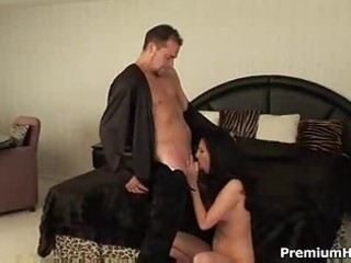 mother i pornstar enjoys hard dick