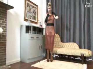 blond d like to fuck strips and uses her sexy