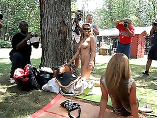 filipino sisters posing at nudes-a-poppin 9588